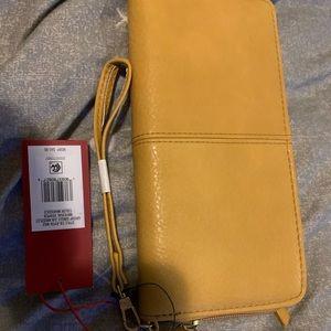 Gorgeous wallet. NWT